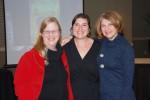 Rachel Weiss (center)